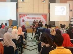 Acara Pelatihan Public Speaking
