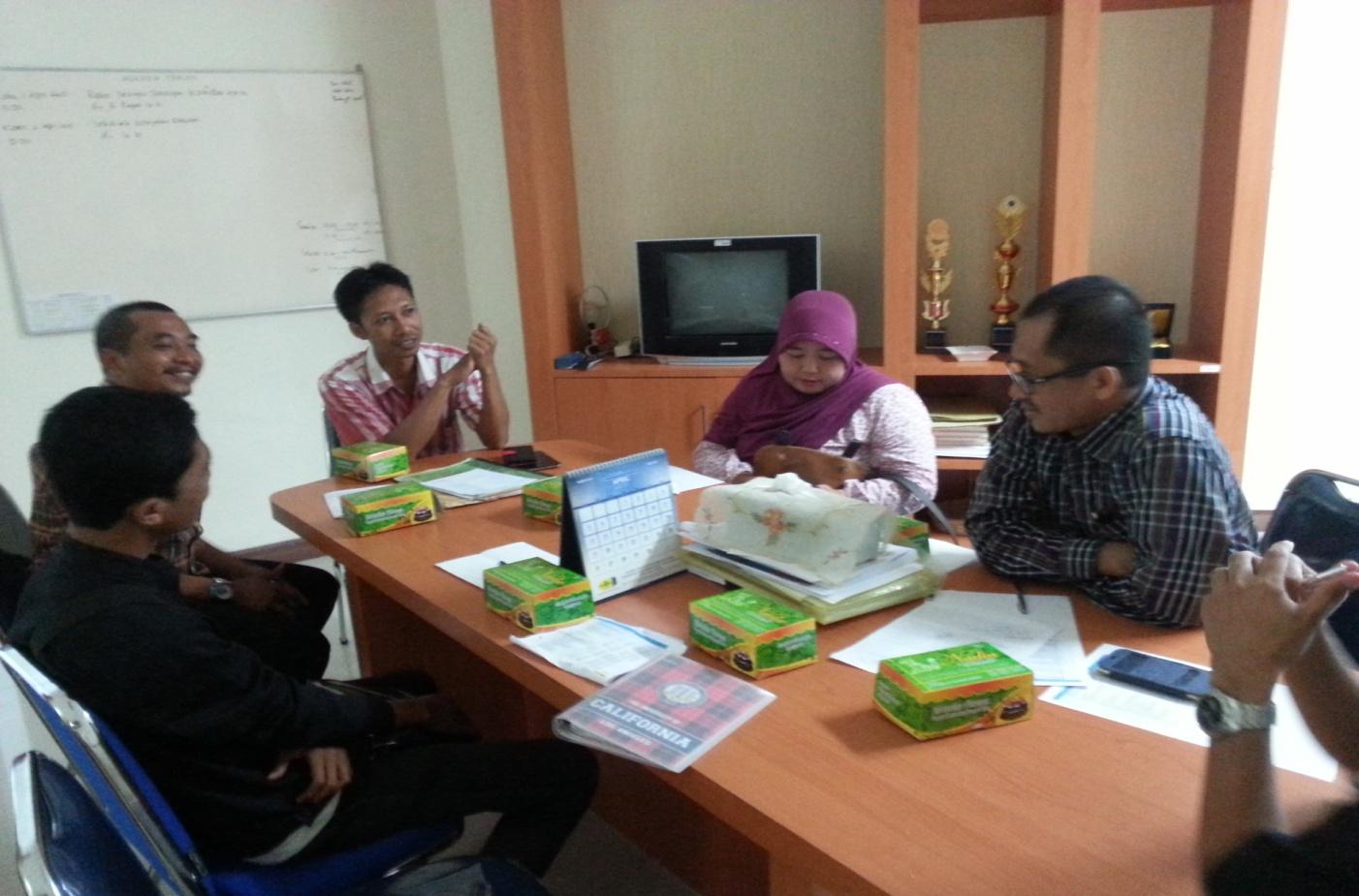 Rapat Evaluasi Yudisium di ruang Dekan FEB